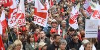 Blick auf die Teilnehmer der Mai-Kundgebung 2011 in München