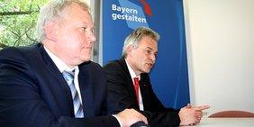 Matthias Jena und Thomas Hacker (FDP-Fraktionsvorsitzender Landtag)