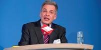Matthias Jena bei seiner Antrittsrede bei der Bezirkskonferenz 2010.