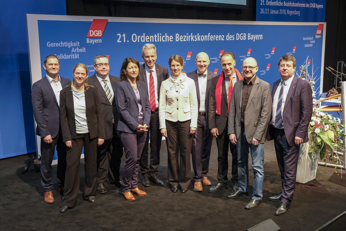 Die auf der Bezirkskonferenz 2018 neu gewählten Regionsgeschäftsführerinnen und Regionsgeschäftsführer